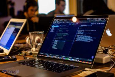 22卒向け最新版  IT業界はブラック?仕事内容や職種について徹底解説!